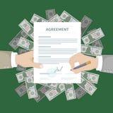 Uomo d'affari due che firma un accordo Riuscita associazione finanziaria, concetto di lavoro di squadra La mano tiene la forma di Immagine Stock Libera da Diritti