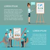 Uomo d'affari e donna che fanno una presentazione davanti ad un bordo Immagine Stock Libera da Diritti