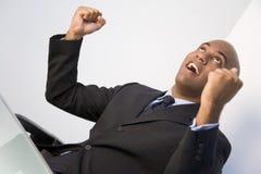 Uomo d'affari emozionante fotografie stock