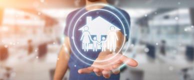 Uomo d'affari facendo uso della rappresentazione di applicazione 3D di assicurazione di cura della famiglia Immagine Stock