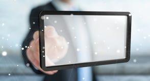 Uomo d'affari facendo uso della rappresentazione digitale della compressa 3D degli schermi Fotografia Stock Libera da Diritti