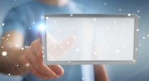 Uomo d'affari facendo uso della rappresentazione digitale della compressa 3D degli schermi Fotografie Stock Libere da Diritti