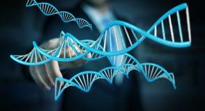 Uomo d'affari facendo uso della rappresentazione moderna della struttura 3D del DNA Fotografie Stock Libere da Diritti