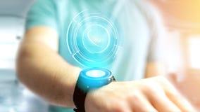 Uomo d'affari facendo uso di un bottone technologic del telefono di Shinny sul suo astuto Fotografie Stock