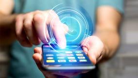 Uomo d'affari facendo uso di un bottone technologic del telefono di Shinny sul suo astuto Fotografia Stock