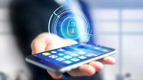 Uomo d'affari facendo uso di uno smartphone con un armadio technologic di Shinny Immagini Stock