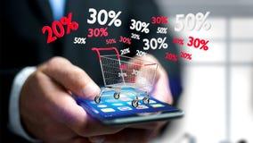 Uomo d'affari facendo uso di uno smartphone con un carrello rosso e bianco e Immagine Stock Libera da Diritti