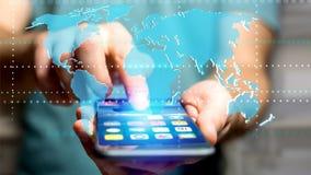 Uomo d'affari facendo uso di uno smartphone con una mappa di mondo collegata - 3d r Immagini Stock