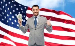 Uomo d'affari felice con i soldi americani del dollaro Immagini Stock Libere da Diritti