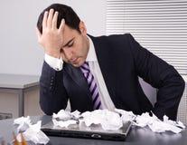Uomo d'affari frustrato immagine stock