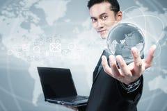 Uomo d'affari moderno e tecnologia immagine stock