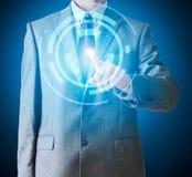 Uomo d'affari nel tocco del vestito con il dito sul punto, colore blu illustrazione di stock