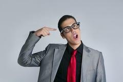 Uomo d'affari pazzesco con i vetri ed il vestito divertenti Fotografia Stock