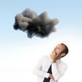 Uomo d'affari preoccupato e depresso immagine stock