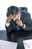 Uomo d'affari sovraccarico che richiede un momento a Destress Fotografie Stock