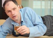 Uomo d'affari ubriaco Fotografia Stock Libera da Diritti