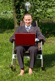 Uomo d'affari Working Outdoors Immagine Stock