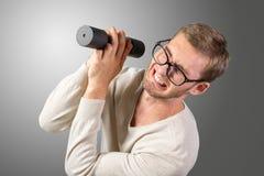 Uomo debole divertente fotografia stock