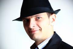 Uomo del gangster in cappello fotografia stock libera da diritti