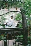 Uomo del giardino fotografie stock libere da diritti