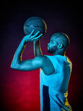 Uomo del giocatore di pallacanestro isolato Immagine Stock Libera da Diritti