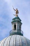 Uomo del The Independent, Statehouse, Rhode Island fotografia stock libera da diritti