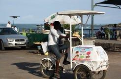 Uomo del venditore del gelato mombasa Fotografia Stock