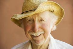 Uomo dell'anziano in un cappello del cowboy Fotografia Stock Libera da Diritti