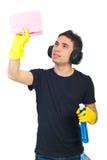 Uomo dell'operaio della casa di pulizia Immagine Stock