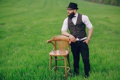 Uomo della barba nel campo solo Immagine Stock Libera da Diritti