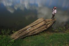 Uomo della barca Fotografie Stock Libere da Diritti
