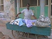 Uomo della lavanderia a Madura, Tamil Nadu, India Fotografia Stock Libera da Diritti
