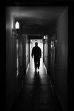 Uomo della siluetta in corridoio Fotografie Stock