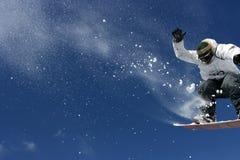 Uomo dello snowboard di guida Fotografia Stock Libera da Diritti