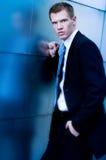 Uomo di affari con il pugno serrato fotografia stock libera da diritti