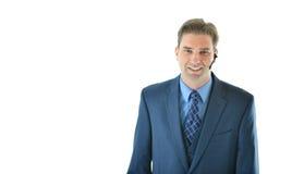 Uomo di affari sul telefono con il cliente o il rappresentante di servizio di assistenza al cliente Fotografie Stock