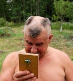 Uomo di Barbering Fotografia Stock Libera da Diritti