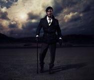 Uomo di camminata Immagini Stock