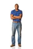 Uomo di colore che si leva in piedi casuale Fotografia Stock Libera da Diritti