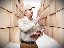 Uomo di consegna in servizio Fotografia Stock