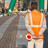 Uomo di custode di traffico con la pagaia Immagini Stock Libere da Diritti