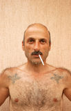 Uomo di fumo Fotografia Stock Libera da Diritti