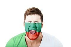 Uomo di grido con la bandiera della Bulgaria sul fronte Immagini Stock Libere da Diritti