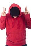 Uomo di Hip Hop nella posizione hoody rossa Fotografia Stock