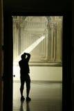 Uomo di Iluminated fotografie stock