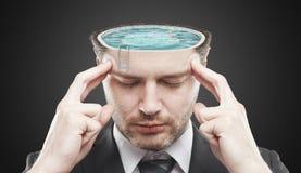 Uomo di mentalità aperta con la piscina all'interno Fotografie Stock Libere da Diritti