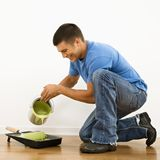 Uomo di miglioramento domestico. Fotografie Stock