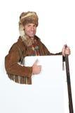 Uomo di montagna che tiene una pistola Fotografie Stock Libere da Diritti