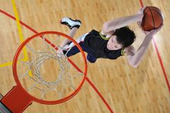 Uomo di pallacanestro Fotografia Stock