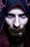 Uomo di sguardo spaventoso misterioso Fotografia Stock